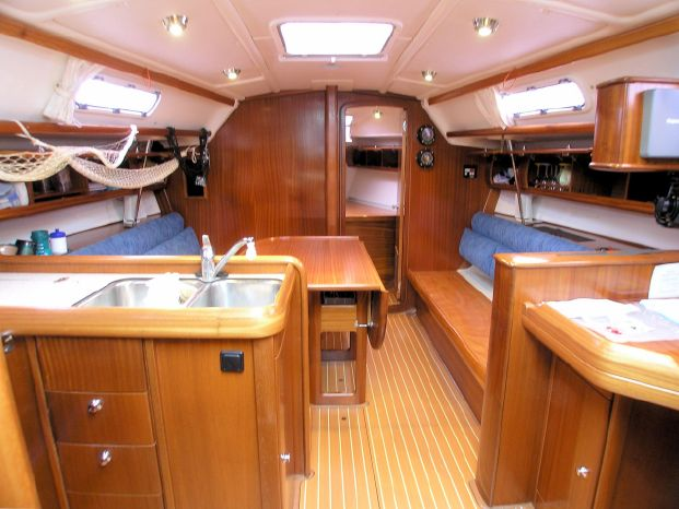 2005 Bavaria Brokerage Connecticut
