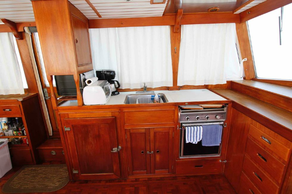 Grand Banks 42 Motoryacht Galley
