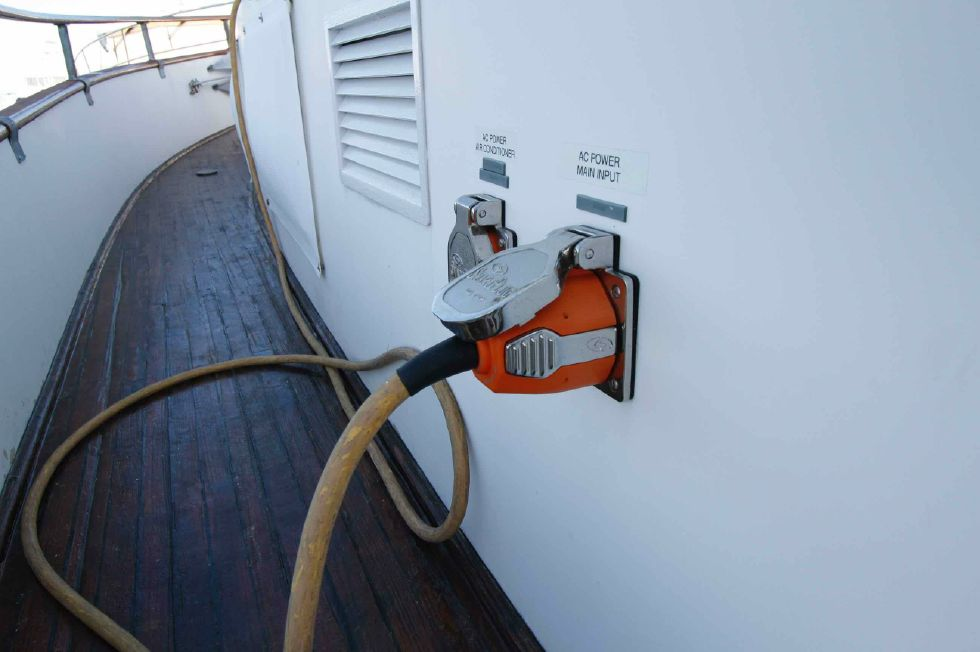 Grand Banks 42 Motoryacht Electrical Receptacle