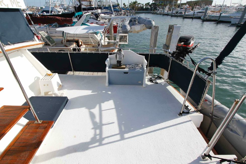 Grand Banks 42 Motoryacht Aft Deck