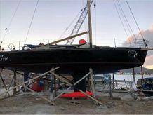 1998 J Boats J120