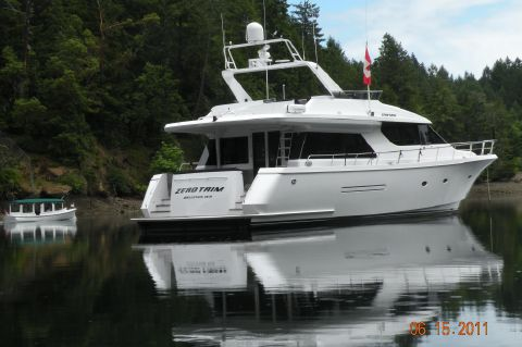 1998 West Bay Sonship 74' - Starboard Stern Profile