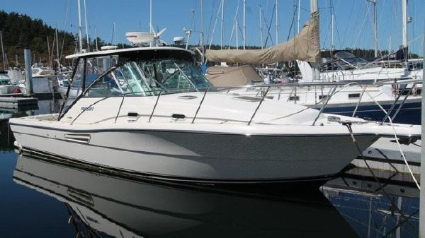 Pursuit 3000 Express - Factory Hardtop Fully Equipped Pursuit 3000 - Dockside Exterior