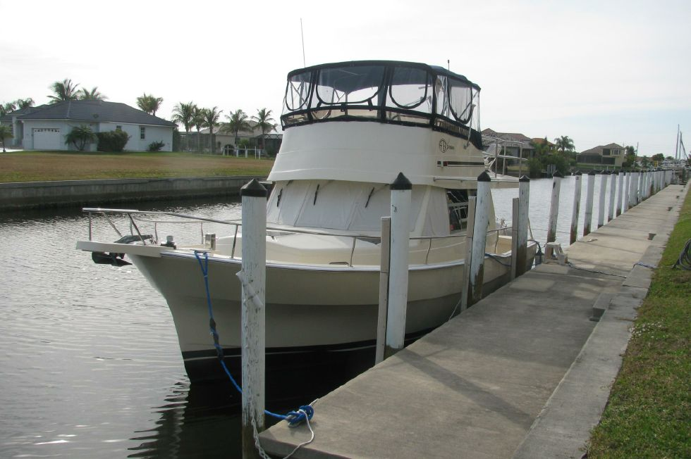 2004 Mainship Trawler 390 in Excellent Condition 39 Boats