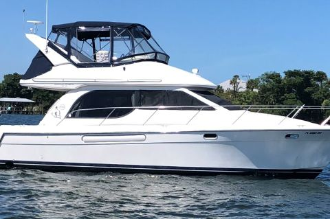2002 Bayliner 3788 Command Bridge Motoryacht