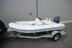 2020 Zodiac Yachtline 440 Deluxe NEO 60hp In Stock