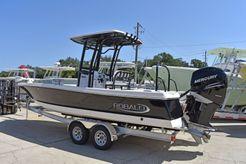 2021 Robalo Bay Boats 246 Cayman