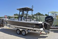 2021 Robalo Bay Boats 246 Cayman