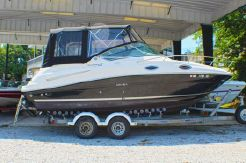 2010 Sea Ray 240 Sundancer