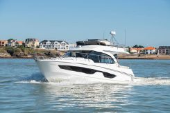 2021 Beneteau ANTARES 11 fly