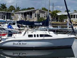 2001 Hunter 260 Sloop