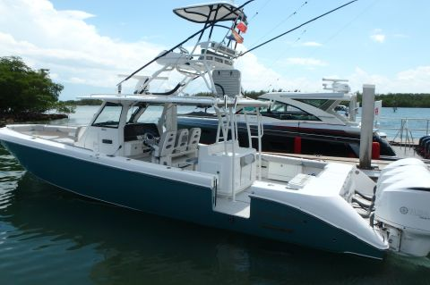2016 Everglades 435 CC loaded dry stored CALL!
