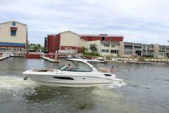 2016 Sea Ray 350 SLX