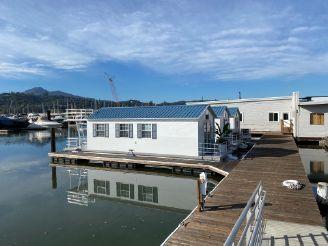 2020 Catamaran Cruisers Aqua Lodge 12x42