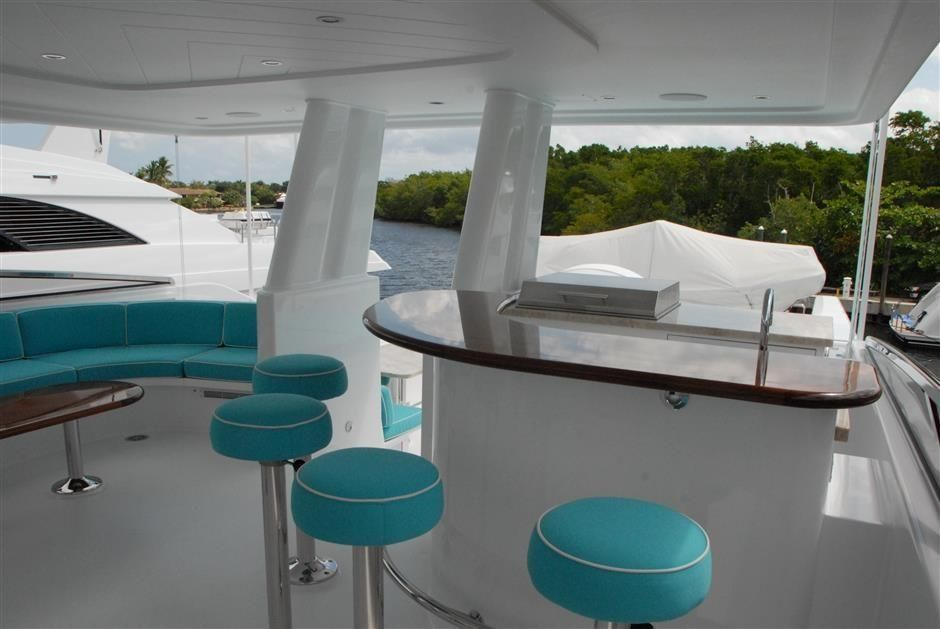 2016 Westport Raised Pilothouse Motoryacht - Flybridge Bar