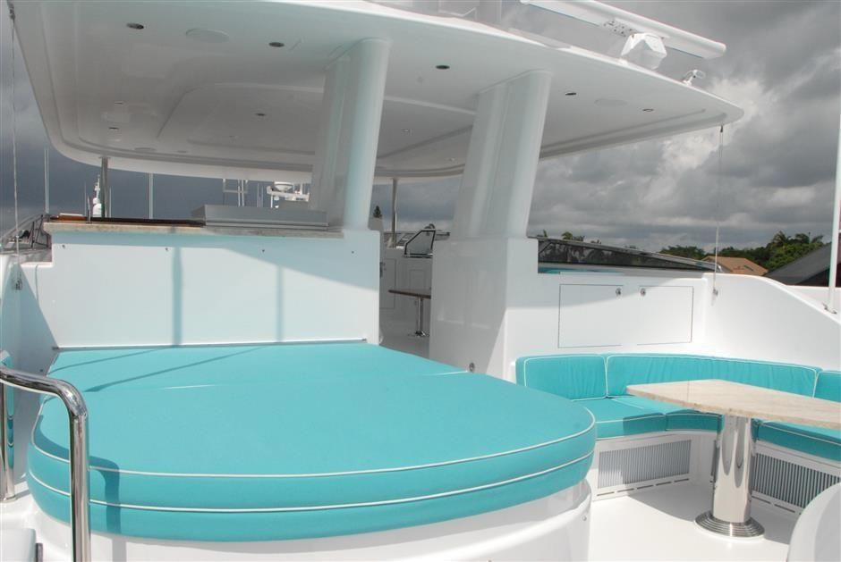 2016 Westport Raised Pilothouse Motoryacht - Hot Tub