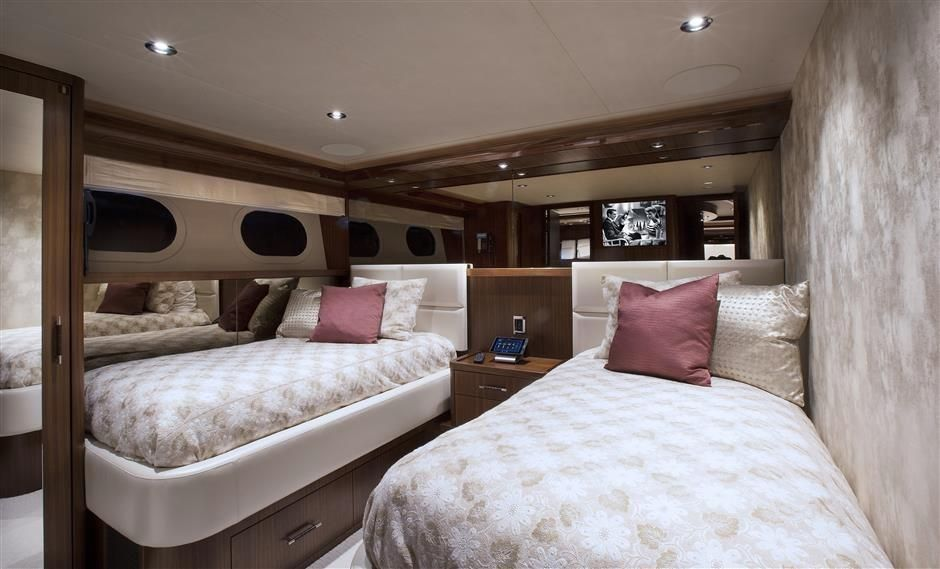 2016 Westport Raised Pilothouse Motoryacht - Guest Stateroom