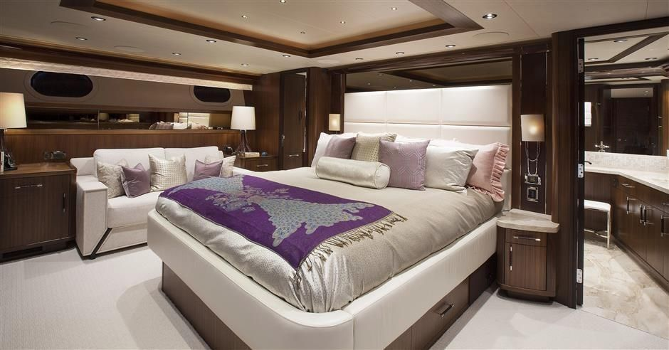 2016 Westport Raised Pilothouse Motoryacht - Master Staeroom