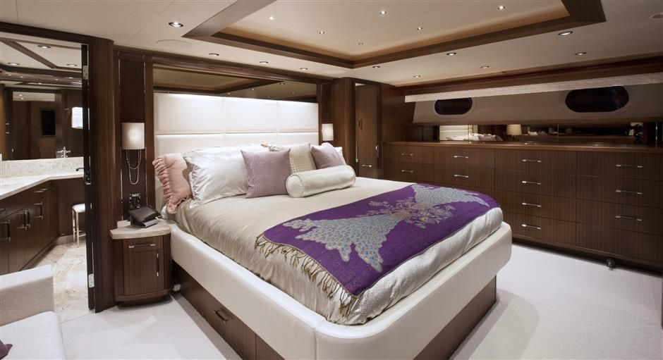2016 Westport Raised Pilothouse Motoryacht - Master Stateroom