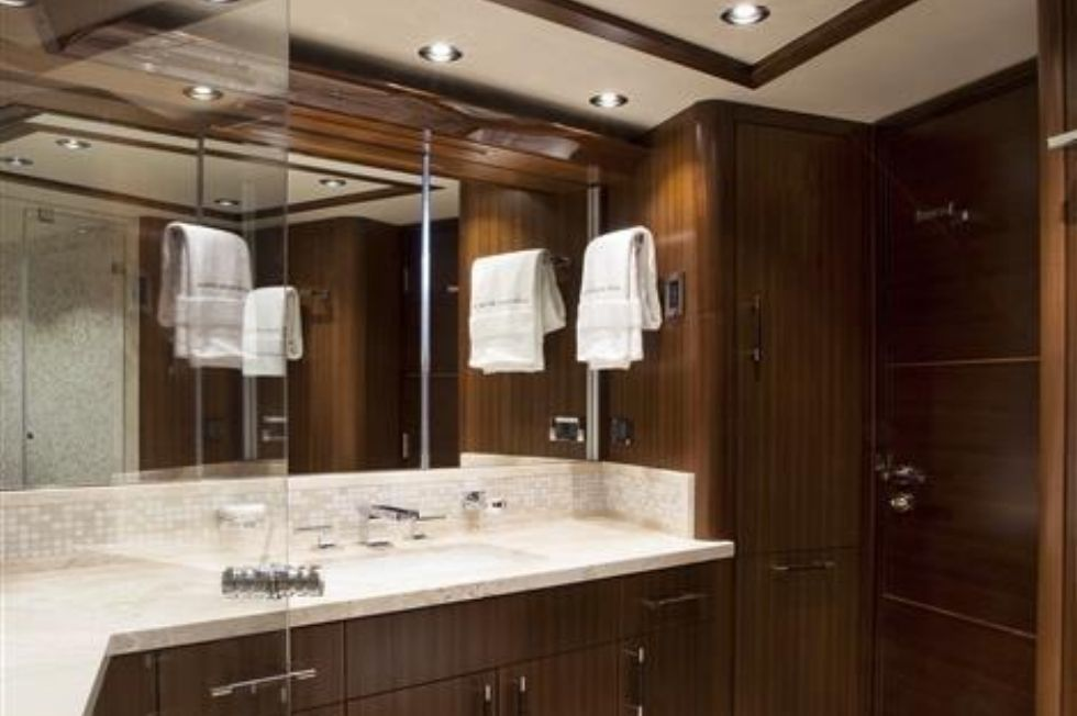 2016 Westport Raised Pilothouse Motoryacht - Master Head