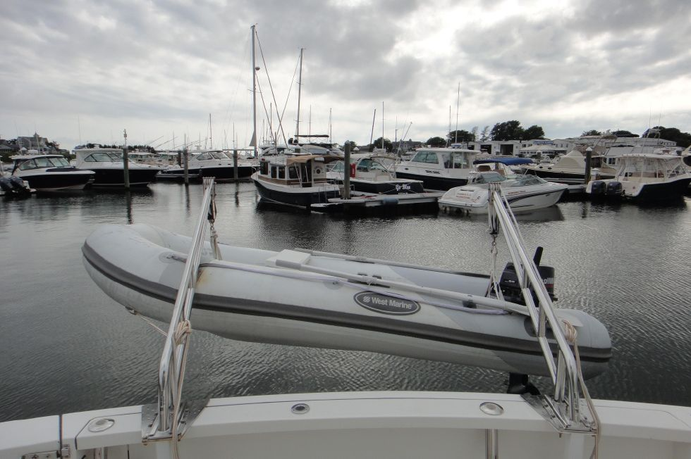 2006 Sabre 42 FB - Davits and Dinghy