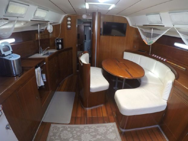 2001 Beneteau First Brokerage Buy