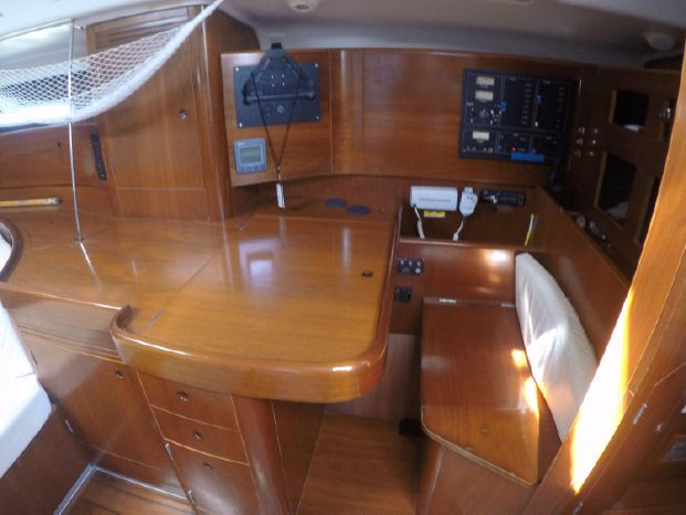 2001 Beneteau First Brokerage Broker