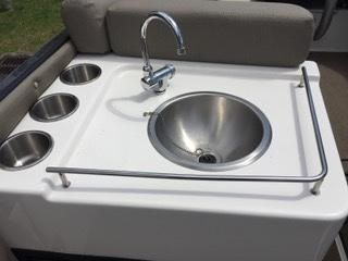 STAINLESS STEEL SINK AND CABINET