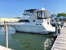 2001 Cruisers Yachts 3750 MY