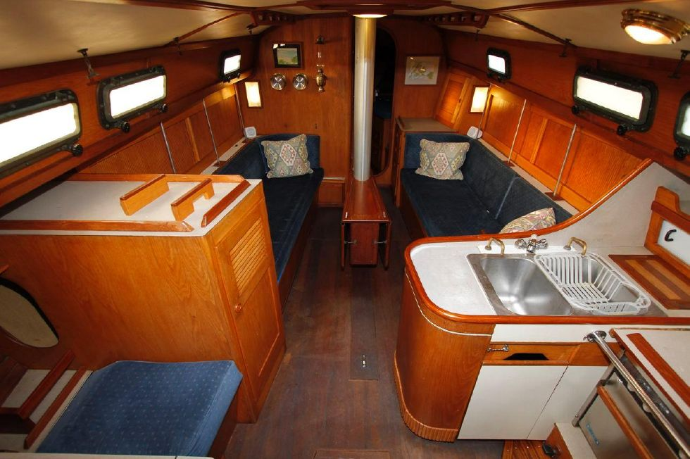 1982 Southern Cross 35 Cutter - Galley to Saloon