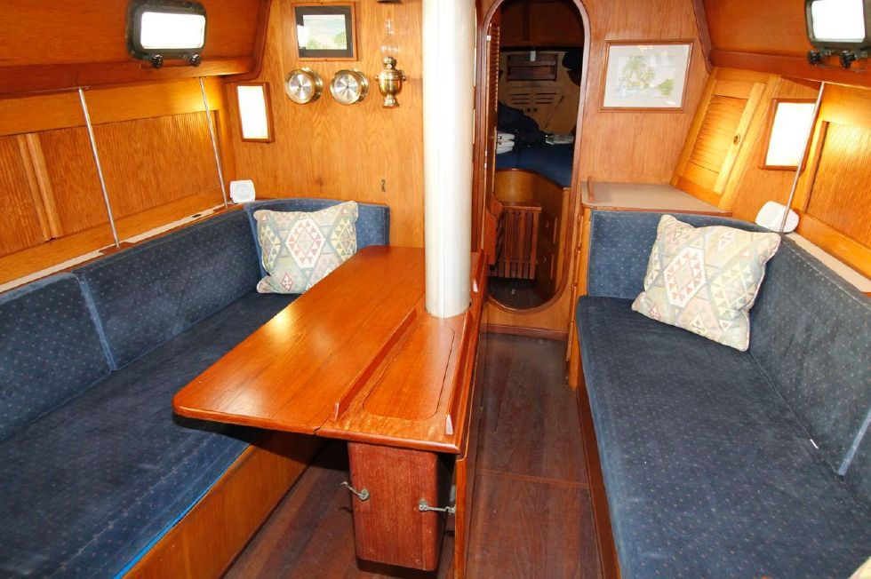1982 Southern Cross 35 Cutter - Dinette one leaf up