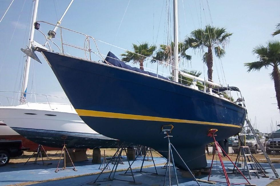 1982 Southern Cross 35 Cutter - Awlcraft 2000 Paint