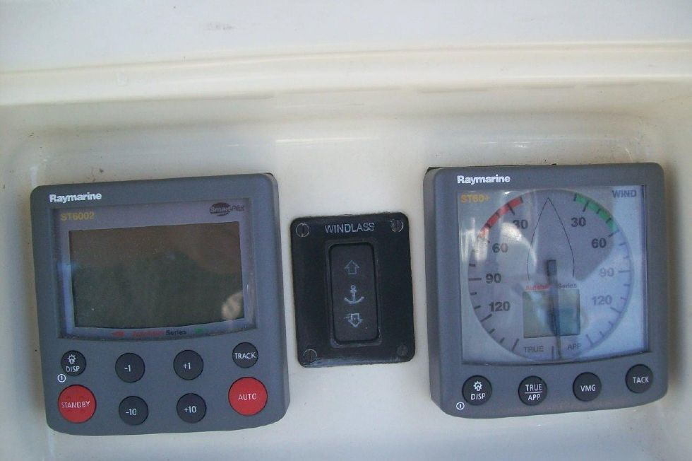Seaward 32 RK Autopilot/Windless/Wind Speed