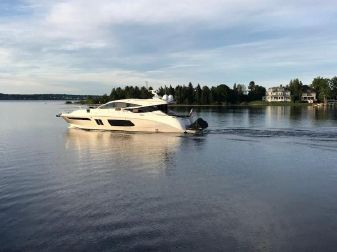 Sea Ray L650 Sundancer Express Cruiser