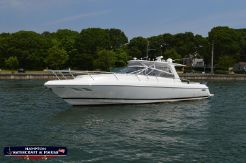 2010 Intrepid 430 Sport Yacht