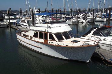 1983 Ocean Alexander 43