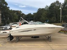2015 Sea Ray 220 SD