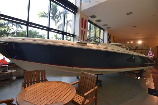 Chris-Craft Launch 32 Port Side in Show Room