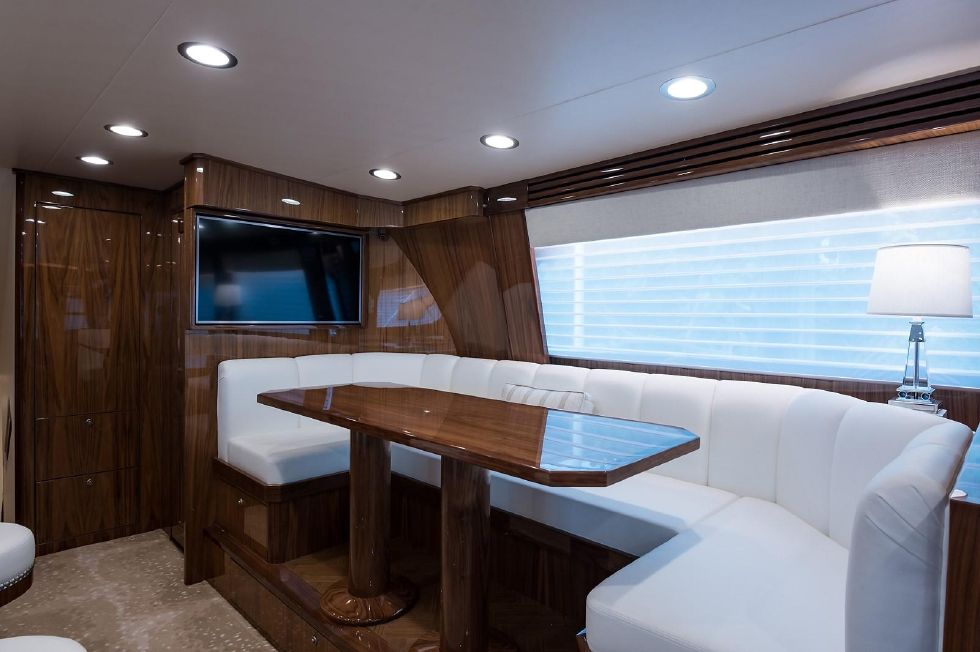 2019 Viking Enclosed - Dinette
