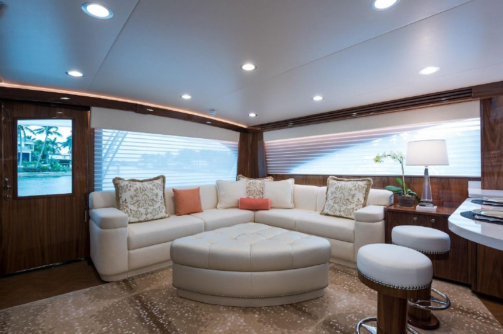 2019 Viking Enclosed - Salon