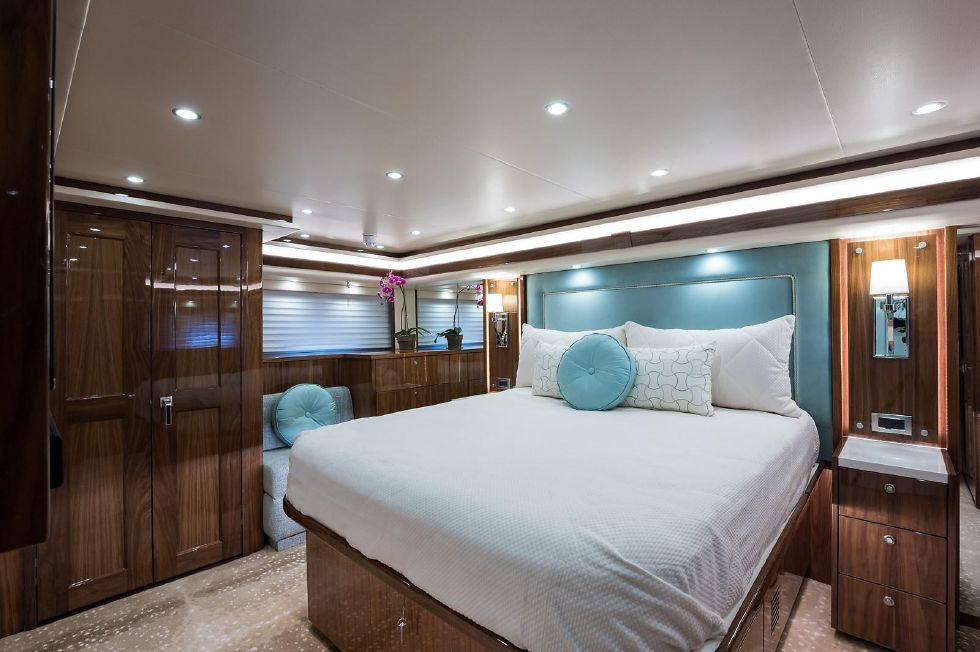 2019 Viking Enclosed - Master Stateroom