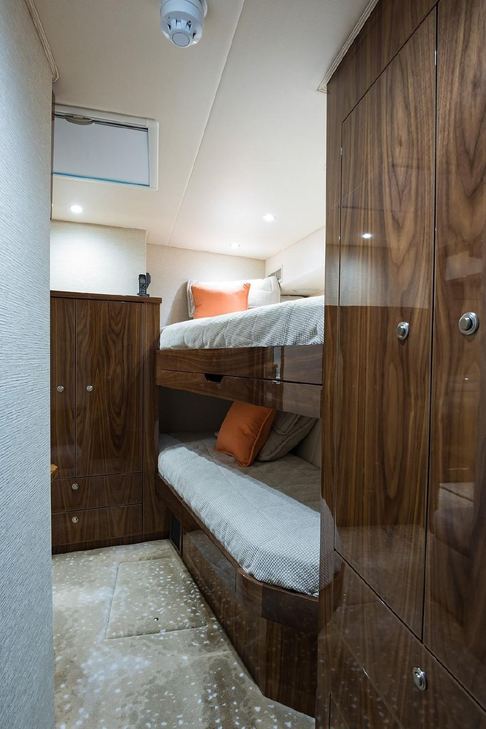 2019 Viking Enclosed - Mid Starboard Guest Stateroom