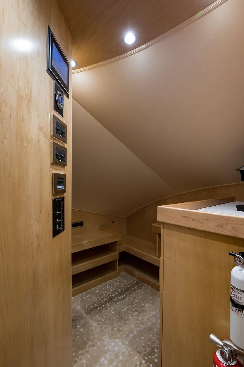 2019 Viking Enclosed - Pantry