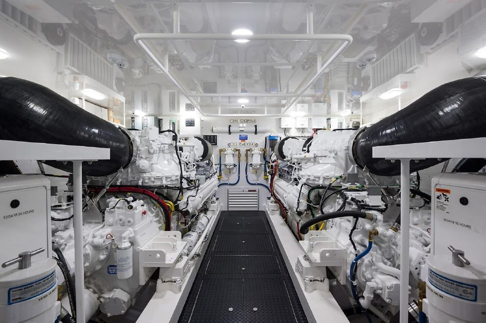 2019 Viking Enclosed - Engine Room