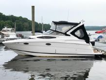 2011 Regal 2860 Express Cruiser