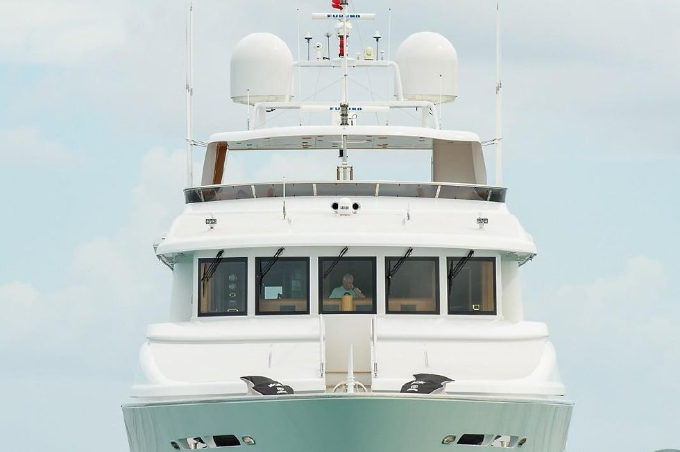 2010 Richmond Yachts Tri-Deck Motor Yacht - AT ANCHOR BOW