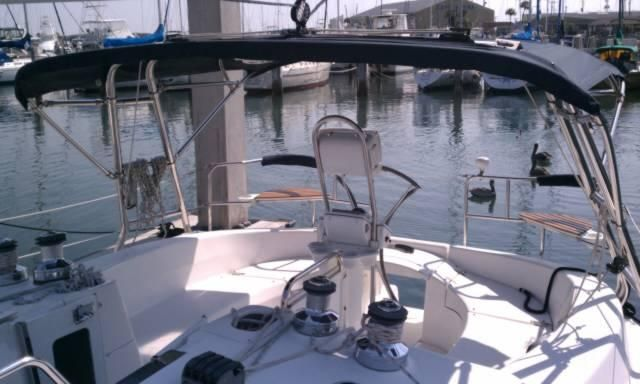2005 Hunter 466 - Cockpit w/Stainless Bimini