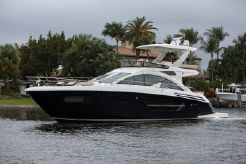 2018 Cruisers Yachts Cantius