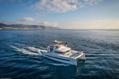 2021 Bali 4.3 Motor Yacht