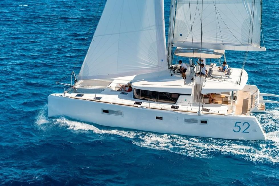 2019 Lagoon 52 F Bordeaux for sale - Next Generation Yachting